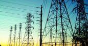Por la cuarentena creció el consumo eléctrico residencial y bajó el del comercio y la industria